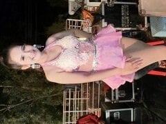 Cantora Tailandesa Jin Stone Head Ousou na Roupa e Fez um Show Sem Calcinha, Mas Acabou Sendo Alvo de Muitas Criticas