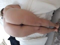 Malandro Levou a Amante Coroa Pro Motel e Colocou Ela de Quatro Peladinha Pra Tirar Várias Fotos Íntimas