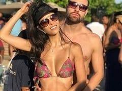 Brendha Haddad atriz morena deliciosa peladinha na série Acerto de Contas exibindo suas tetas imensas em casa de strip